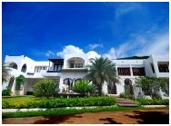 Al Medina Beach House Resort : อัลเมดิน่าบีชเฮาส์บูติครีสอร์ท จันทบุรี