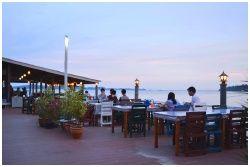 Waree Seafood Restaurant : ร้านอาหารวารี ซีฟู้ด ระยอง
