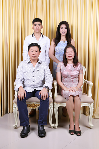 [ เจียหาดใหญ่ ] ถ่ายรูปครอบครัว ถ่ายรูปหมู่ ถ่ายรูปสตูดิโอ ถ่ายภาพครอบครัว Family Studio Photo Hatyai-5