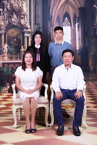 [ เจียหาดใหญ่ ] ถ่ายรูปครอบครัว ถ่ายรูปหมู่ ถ่ายรูปสตูดิโอ ถ่ายภาพครอบครัว Family Studio Photo Hatyai-6