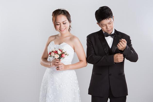 [ เจียหาดใหญ่ ] Prewedding ถ่ายพรีเวดดิ้ง โมเดิร์น สวยๆ ในสตูดิโอ ฉากขาว ถ่ายภาพแต่งงาน ถ่ายรูปหน้างาน เช่าชุดเจ้าบ่าวเจ้าสาว ชุดวิวาห์ ชุดไทย พอตเทรต Wedding Studio Hatyai Portrait-8