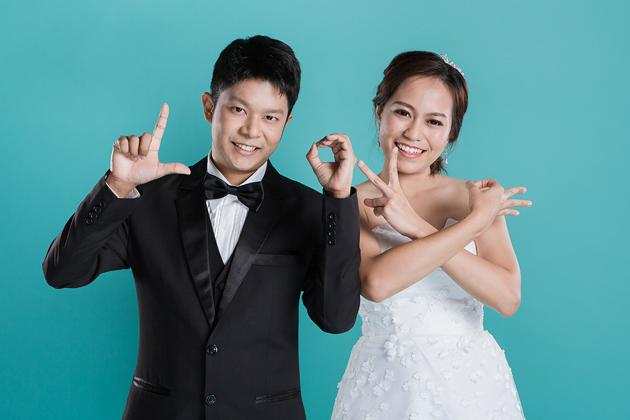 [ เจียหาดใหญ่ ] Prewedding ถ่ายพรีเวดดิ้ง โมเดิร์น สวยๆ ในสตูดิโอ ฉากขาว ถ่ายภาพแต่งงาน ถ่ายรูปหน้างาน เช่าชุดเจ้าบ่าวเจ้าสาว ชุดวิวาห์ ชุดไทย พอตเทรต Wedding Studio Hatyai Portrait-11