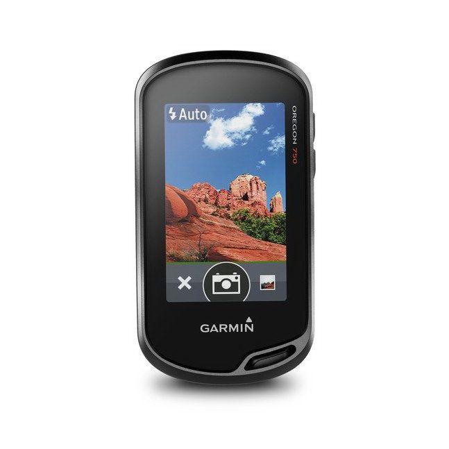 GARMIN รุ่น Oregon® 750 Thai  1. เป็นเครื่องมือหาตำแหน่งพิกัดบนโลกโดยใช้สัญญาณจากดาวเทียมในระบบ GPS  2. มีจำนวนช่องรับสัญญาณ จำนวนไม่น้อยกว่า  12  ช่อง  แบบ High sensitivity GPS receiver  by SiRF 3. มีความคลาดเคลื่อนของการหาตำแหน่งไม่มากกว่า 10 เมตร RMS  4. จอภาพสี LCD ขนาดใหญ่ไม่น้อยกว่า 1.5 นิ้ว x 2.5 นิ้ว (3.8 x 6.3 ซม.) , แบบ TFT Touchscreen       มีไฟส่องสว่างหน้าจอ 5. กล้องถ่ายรูปดิจิตัลความละเอียด 8.0 เมกกะพิกเซล ออโต้โฟกัส พร้อมบันทึกข้อมูลตำแหน่งพิกัดสถานที่ (Geotagged Pictures) ด้วย High-sensitivity GPS 6. แสดงตำแหน่งพิกัดทั้งระบบพิกัด UTM และ Latitude/Longitude 7. แสดงค่าพิกัดบน Datum สากล (WGS84) และ Datum ที่ใช้กับประเทศไทยได้ 8. บันทึกข้อมูลตำแหน่งพิกัดได้ไม่น้อยกว่า 10,000 จุด และสร้างเส้นทางได้ 250 เส้นทาง 9. บันทึกข้อมูลค่าพิกัดโดยอัตโนมัติ (Track Log) ได้ถึง 20,000 จุด และสามารถแยกจัดเก็บได้สูงสุดถึง              250 Saved Tracks 10. สร้างเส้นทางกลับอัตโนมัติได้ (Track back) 11. เครื่องมีลักษณะทนทานต่อการกระเทือน และสามารถกันน้ำระดับ IPX-7 12. มีสายอากาศในตัวเครื่อง 13. สามารถใช้ไฟจากแบตเตอรี่ (NiMH, Lithium) ขนาด AA จำนวน  2 ก้อน  14. สามารถใช้ได้ดีในอุณหภูมิของประเทศไทย 15. มีแผนที่ประเทศไทยบรรจุอยู่ โดยสามารถแสดง ตำแหน่ง อำเภอ / กิ่งอำเภอ / ตำบล , ถนนทางหลวง       แผ่นดิน 1-4 หลัก , ถนน รพช. , ถนนโยธาธิการและถนนในเขตเทศบาล , เส้นทางรถไฟสายหลัก , สถานี       รถไฟ , สถานที่หน่วยงานราชการและสถานที่สำคัญต่างๆมากกว่า 500,000 จุดทั่วประเทศ เป็นต้น 16. มีเข็มทิศอิเล็กทรอนิกส์และระบบหาค่าความสูงโดยการวัดความดันบรรยากาศ 17. มีหน่วยความจำภายใน 3.5 GB รองรับ microSD Card. 18. มีพอร์ตต่อเข้ากับคอมพิวเตอร์ได้ 19. เมนูการใช้งาน เลือกได้ทั้ง ภาษาไทยและภาษาอังกฤษ