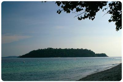 เกาะยาง มุมถ่ายจากเกาะราวี