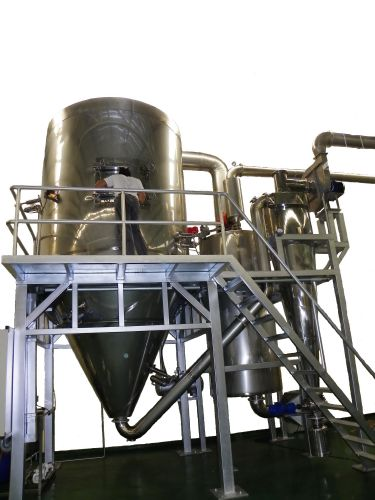 Spray dryer : 120 LPH.