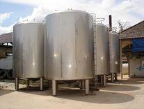 ถังเก็บนม : Milk storage tanks