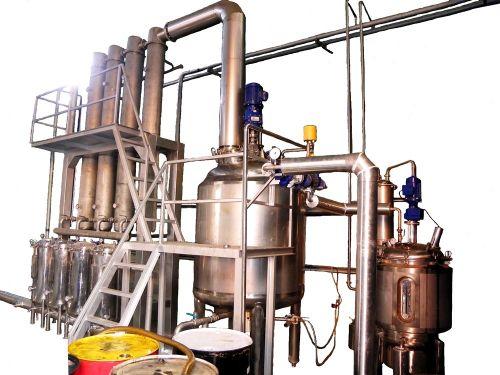 เครื่องกลั่นสุญญากาศ : Vacuum distiller