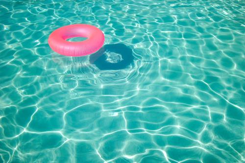 การแก้ไขปัญหาสระว่ายน้ำ