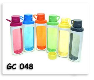 กระติกน้ำพลาสติก พร้อมหูหิ้ว หลากสี ของพรีเมี่ยมพร้อมสกรีน