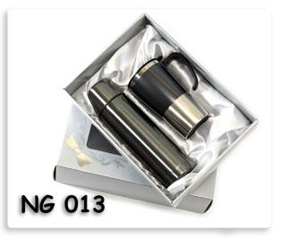 ชุดกี๊ฟเซตกระติกน้ำร้อน+แก้ว (เทา) ในกล่องบุผ้าซาติน อย่างสวย สินค้าพรีเมี่ยมสกรีนโลโก้