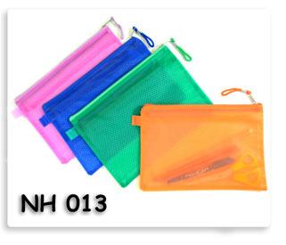กระเป๋าใส่เครื่องเขียน PVC ของพรีเมี่ยม พร้อมสกรีนโลโก้