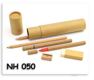 ชุดกระบอกเครื่องเขียน ดินสอ ปากกา ยางลบ กบเหลาดินสอ จากกระดาษรีไซเคิล ของพรีเมียมรักษ์โลก พร้อมสกรีนโลโก้