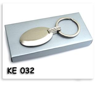พวงกุญแจโลหะฝังเพชร คุณภาพดี น่าใช้ ของพรีเมี่ยมพร้อมสกรีนข้อความโลโก้ฟรี