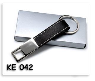 พวงกุญแจโลหะผสมหนัง ของพรีเมี่ยม พร้อมสกรีน หรือ เลเซอร์