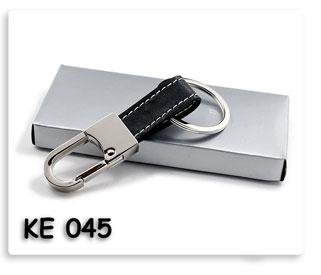 พวงกุญแจโลหะทรงตะขอเกี่ยวผสมหนัง ของพรีเมี่ยม พร้อมสกรีน หรือ เลเซอร์