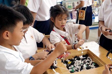 เด็กๆ สนุกกับการเล่นตัวต่อเสริมทักษะอโซบล็อคก Asoblock ของเล่นเสริมพัฒนาการเด็กจากญี่ปุ่น