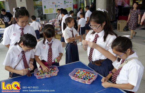 เด็กๆ เริ่มมาหัดเล่นตัวต่อลาคิวกันตั้งแต่เช้าเลย ของเล่นเสริมพัฒนาการเด็กจากญี่ปุ่น ช่วยพัฒนาสมองและกล้ามเนื้อมัดเล็ก เสริม IQ และ EQ