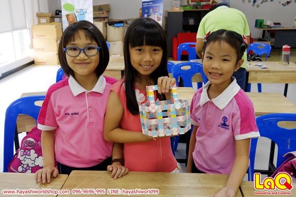 ฮายาชิเวิลด์ จัดกิจกรรมสอนการต่อลาคิว LaQ ให้กับเด็กๆ โรงเรียนสาธิตจุฬา ฝ่ายประถม เด็กๆ สนุกกับการสร้างโมเดลตามที่จินตนาการไว้