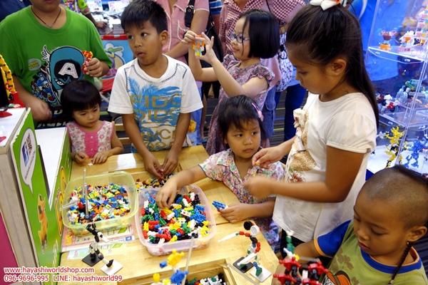 สัปดาห์หนังสือแห่งชาติ ฮายาชิเวิลด์ ตัวต่อลาคิว LaQ อโซบล็อค จิเอโบะ ของเล่นเสริมพัฒนาการเด็ก