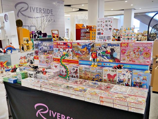 พบกับสินค้ารุ่นใหม่มากมายในงานนี้ที่ Riverside Plaza ชั้น 2 วันที่ 19-31 ม.ค. 2561