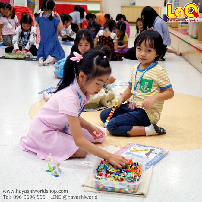 หลังจากแนะนำวิธีต่อไปได้พักหนึ่ง เด็กๆ ก็สามารถใช้ลาคิวสร้างเป็นโมเดลแบบง่ายๆ กันได้แล้ว