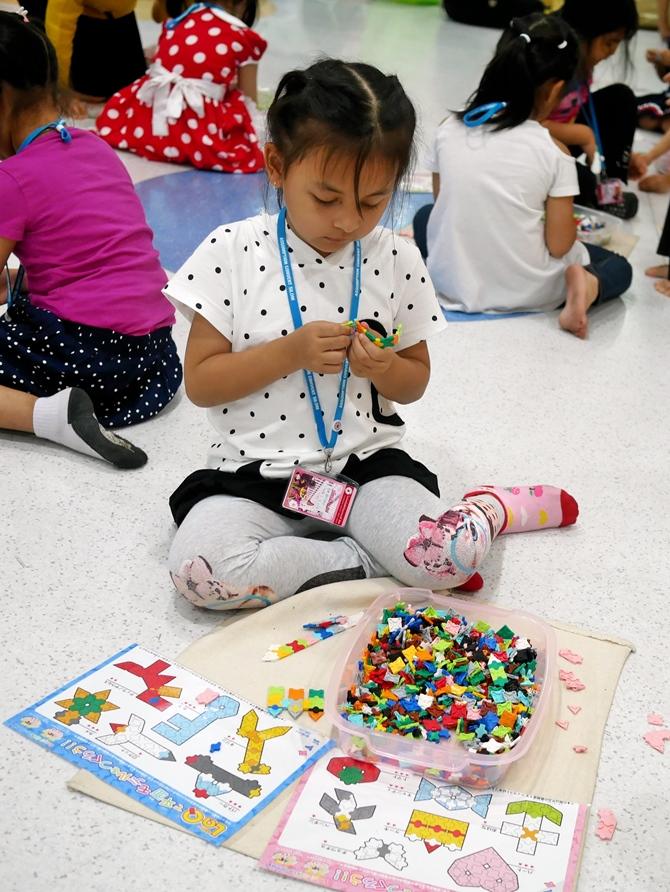 ตัวต่อลาคิวมีเพียง 7 รูปทรง จึงง่ายต่อเด็กๆ ในนำไปประยุกต์ใช้ หรือนำไปสร้างเป็นสิ่งต่างๆ ได้สะดวก