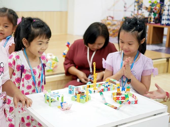 เด็กๆ ต่างชื่นชมและภูมิใจในผลงานลาคิวที่ตัวเองได้สร้างขึ้น ถ้ามีเวลามากกว่านี้ เด็กๆ จะสามารถสร้างโมเดลลาคิวที่ซับซ้อนกว่านี้ได้อย่างแน่นอน