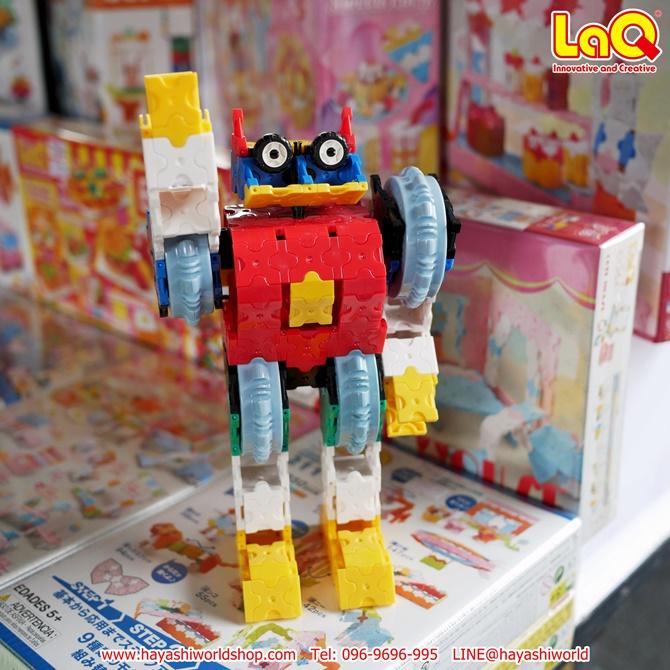 หุ่นยนต์ยักษ์ลาคิว ตัวต่อขยับส่วนแขน และส่วนหัวได้ด้วยนะ
