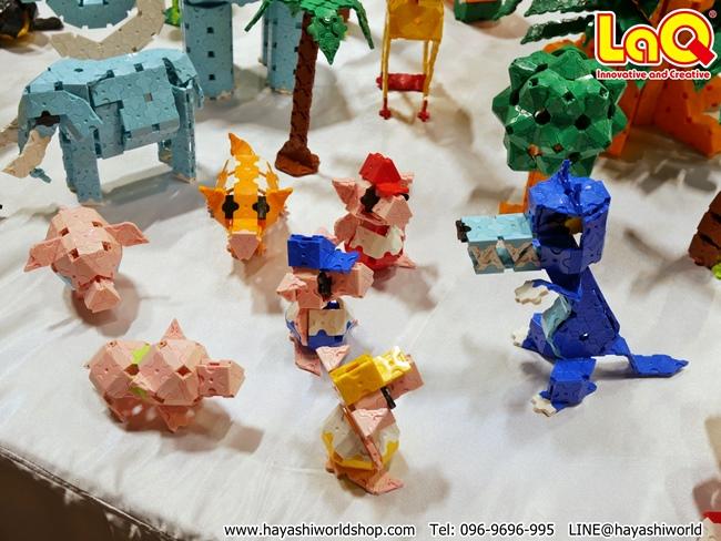 ไปชมโมเดลชุดหมาป่าและลูกหมู 3 ตัวที่ทำจากของเล่นตัวต่อเสริมพัฒนาการเด็กลาคิว (LaQ) จากญี่ปุ่น ได้ที่บูธของรักลูก SELECT ภายในห้อง West Gate Hall