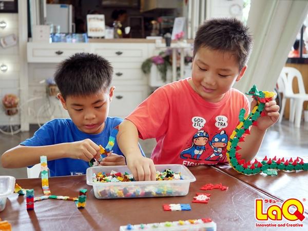 เด็กๆ สนุกกับการเล่นตัวต่อลาคิว (LaQ) ในงาน เด็กอวดดี ที่ The Nine พระราม 9