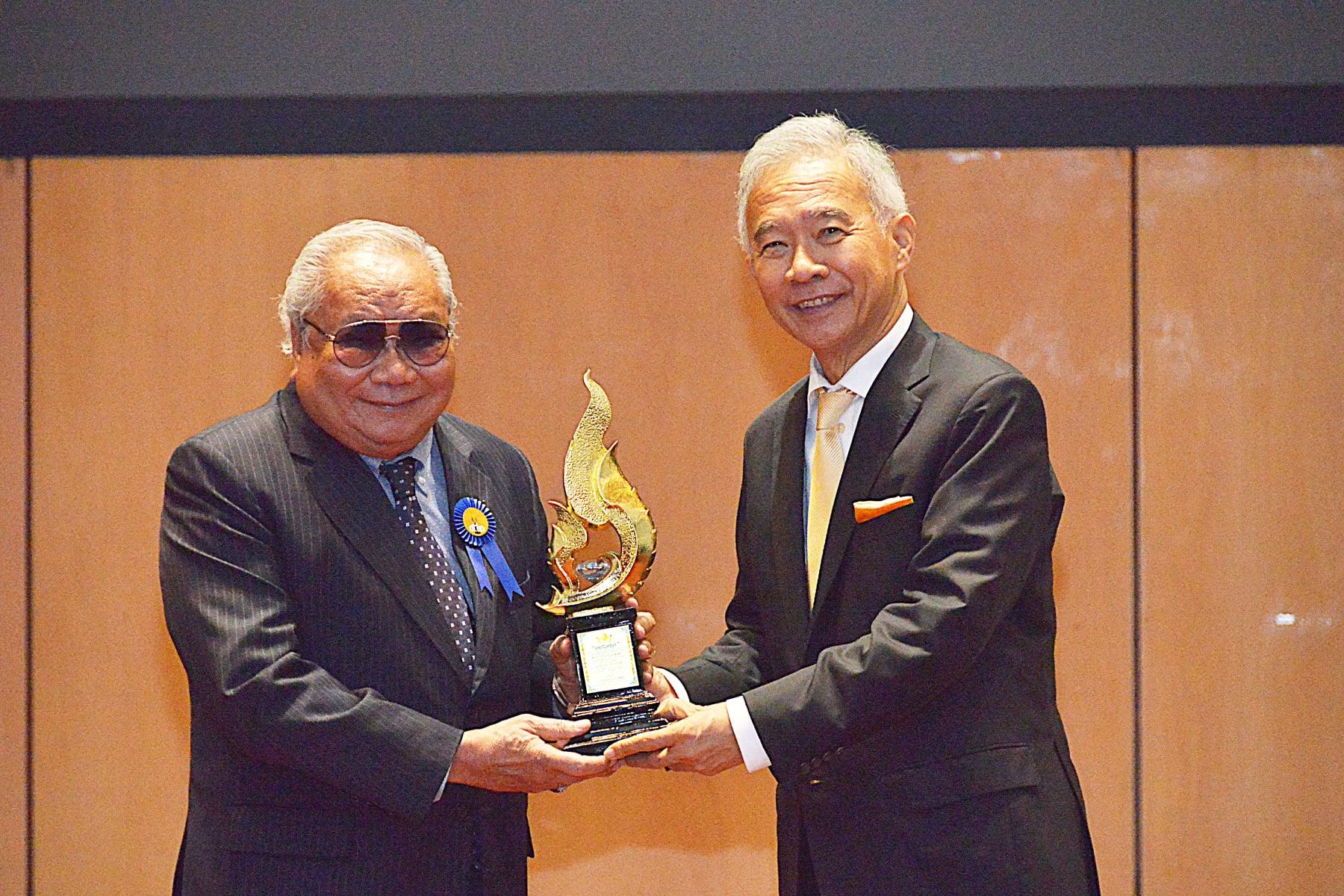 ดร.ปราจิน เอี่ยมลำเนา รับรางวัลเชิดชูเกียรติ 'เพชรกนก' สาขา 'เกียรติภูมิแผ่นดิน'