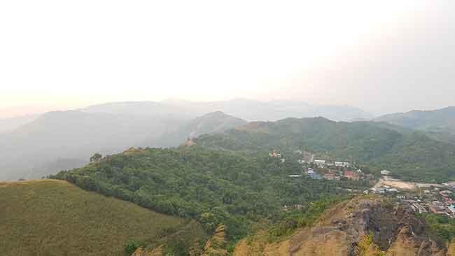 เนินช้างศึก  ปิล๊อก บ้านอีต่อง ทองผาภูมิ กาญจนบุรี