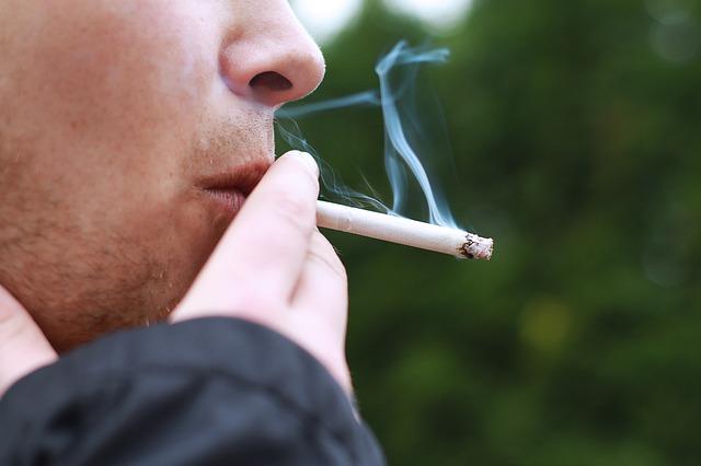 บุหรี่ ไอ ไอเรื้อรัง รักษาอาการไอ รักษาอาการไอเรื้อรัง