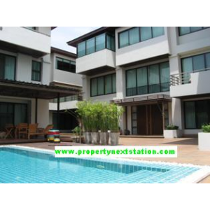 House for rent in compound with swimming pool around Sathorn-Rama III, Rama IV