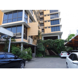 Apartment 3 Bedroom about 240 sq m. on Langsuan near Lumpini park and BTS station