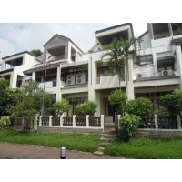 Townhouse 4 bed about 300 sq m. for rent 3 years with 3 months deposit at Viewmai village in Viphawadee soi 20
