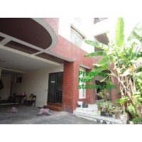 Single house with 3-Stories about 375sq m. with 5 bedroom, unfurnished for home office in Sukhumvit 63 and Sukhumvit 65-71