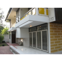 House 4 bedroom for rent deep in Soi Thonglor