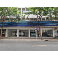 Ground floor Office &Showroom area 305 sq m. for rent on Surawong road around Chong Nonsi