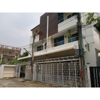 House for Sale in Mooban Navin in Chuea Phloeng road (Sathorn - Yenarkat 2)