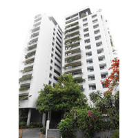 Le Cullinan 3 bedroom apartment near Emquatier and Phrom Phong BTS