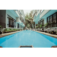 3 bedroom house shared swimming pool around Thong Lo BTS