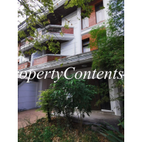 Townhouse with garden for rent in Soi Aree 4 North