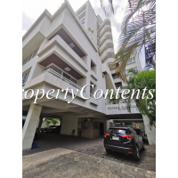 3 bedroom Low-rise Apartment newly renovated around Chong Nonsi BTS