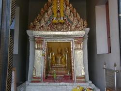 พระเหลือ หล่อจากทองเหลือจากการหล่อพระพุทธชินราช พระพุทธชินสีห์ และพระศรีศาสดา