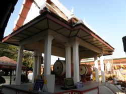 หอกลอง ด้านหน้าพระวิหารพระพุทธชินราช