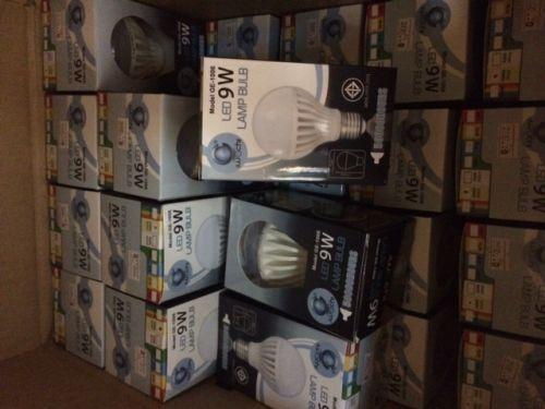 หลอดไฟฟ้า LED 7Watt - E27 - Warmwhite: 120.-