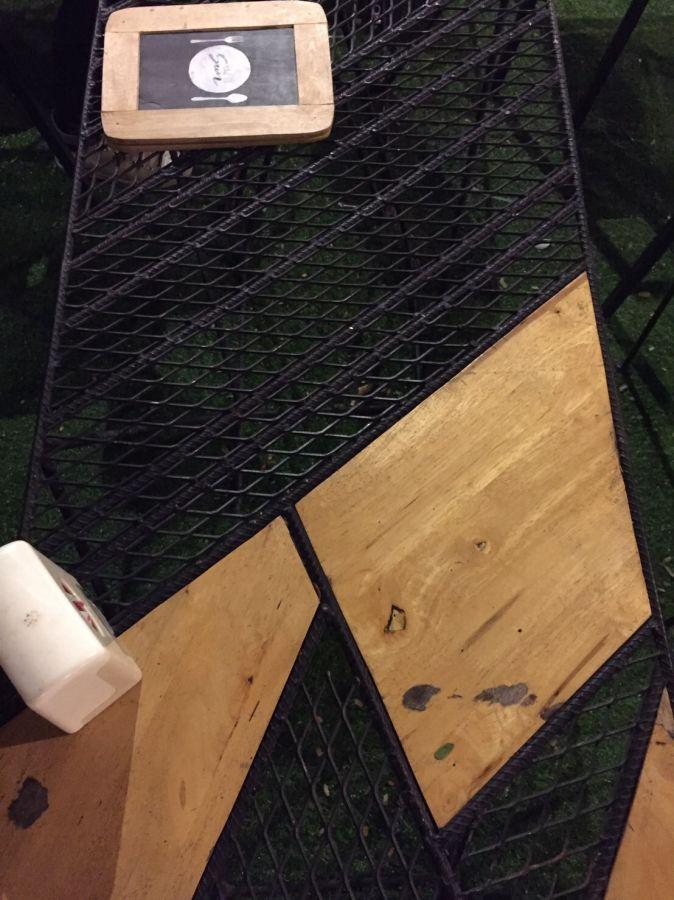 ตะแกรงเหล็กฉีกรุ่นXS42 ใช้ทำหน้าโต๊ะอาหาร