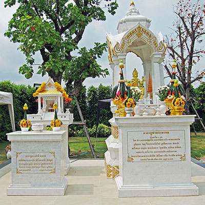 ศาลพระพรหม หินอ่อนแผ่นขาวพม่า
