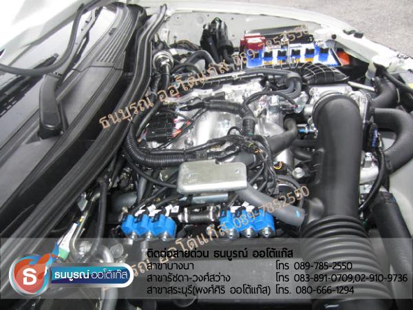 ผลงานการเดินสายภายในห้องเครื่องยนต์ ที่เรียบร้อย แข็งแรงเพื่อความปลอดภัยแก่ลูกค้าผู้ขับขี่ ความใส่ใจเฉพาะหนึ่งเดียวที่ศูนย์ติดตั้งแก๊สมาตรฐานธนบูรณ์ ออโต้แก๊ส Mitsubishi Pajero Sport V6 3000 cc. ป้ายแดง กับชุด Advanced-OBD 6 สูบ ของ ENERGY-REFORM พร้อมถังโดนัท  51  ลิตร ใต้ท้องรถ โดยธนบูรณ์ ออโต้แก๊ส